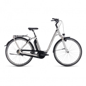 Cube - Promo Cube Town Hybrid EXC 500 Easy Entry Elektrische Fiets Zilver/Wit 2018 (132300)