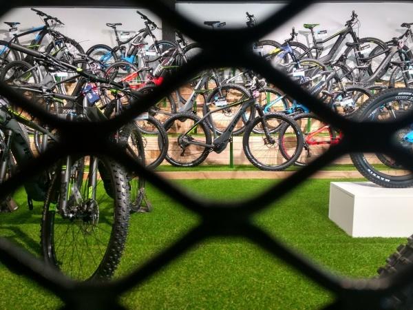 La marque de vélo Cube passée à la loupe dans votre magasin Barracuda